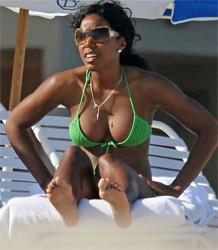 Kelly Rowland en bikini